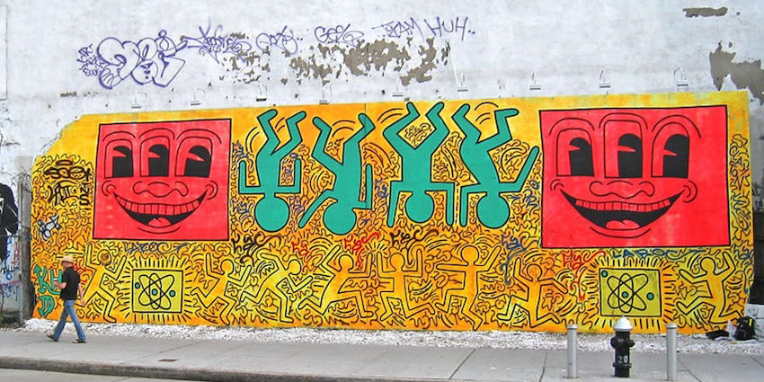 Keith Haring, Untitled, 1982 (first major outdoor mural at Houston Street & the Bowery New York) | Article on ArtWizard