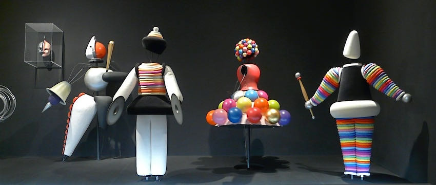 Costumes for Das Triadisches Ballett, by Oskar Schlemmer | Article on ArtWizard