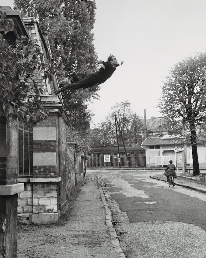 Leap into the Void, 1960, Artistic action by Yves Klein, Makers Harry Shunk and János (Jean) Kender | Статья на ArtWizard | Статья на ArtWizard